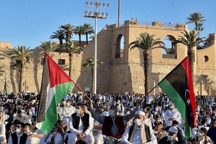 Libya'da bayram namazı sonrası İsrail protestosu