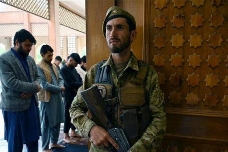 Afganistan'da cuma namazı sırasında patlama! En az 12 ölü