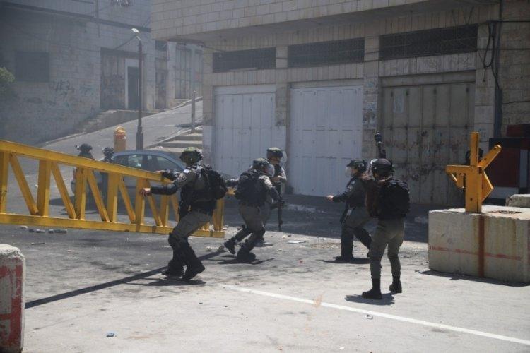 İsrail'den El Halil'deki Filistinlilerin gösterisine müdahale: 5 yaralı