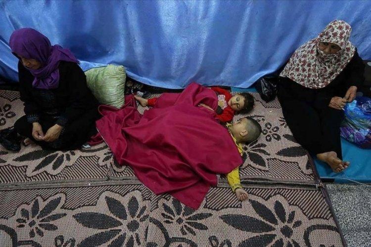 BM açıkladı: 10 bine yakın Filistinli evlerini terk etti
