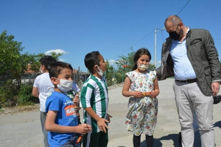 Bursa Orhaneli Belediye Başkanı Ali Aykurt bayramlaşma için köyleri gezdi