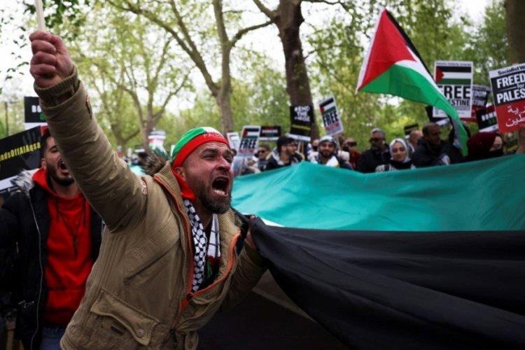 İngiltere ve Fransa'da Filistin'e destek gösterileri