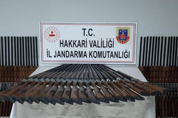Gümrük kaçağı 100 av tüfeği ele geçirildi