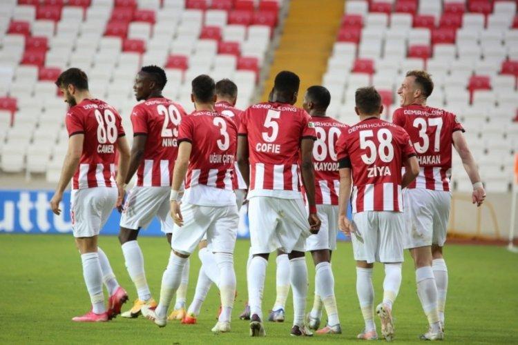 Sivasspor, Kasımpaşa karşılaşmasından mutlu ayrıldı