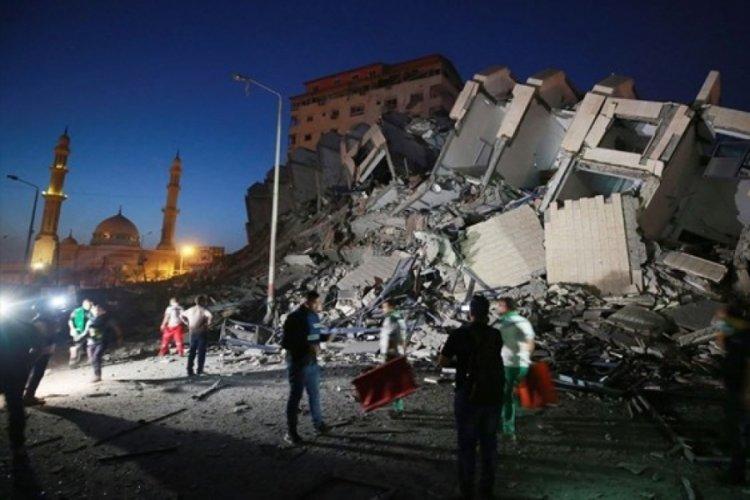 İsrail Gazze'yi yine bombaladı