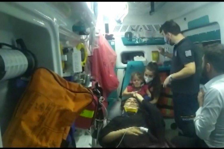 Taksi ile otomobil kafa kafaya çarpıştı: 1'i ağır 5 yaralı
