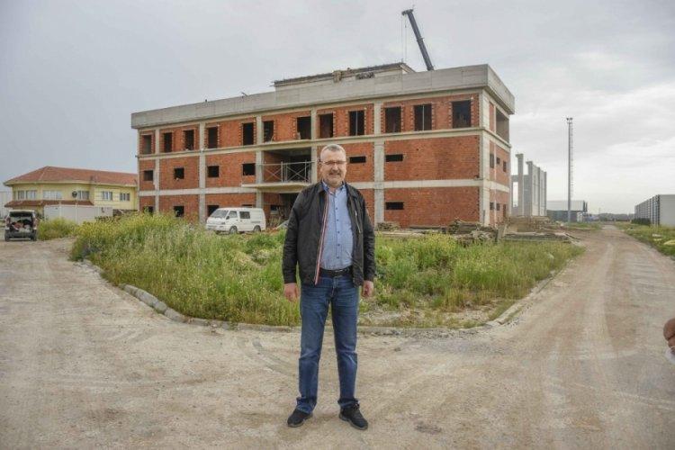 Bursa Karacabey'de spor kompleksi inşaatı tam gaz