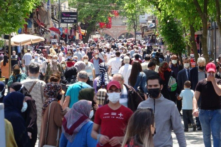 17 günlük kısıtlama bitti, Bursa sokakları doldu taştı!