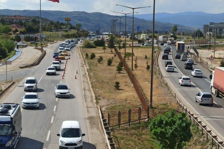43 ilin geçiş noktası Kırıkkale'de, trafik yoğunluğu