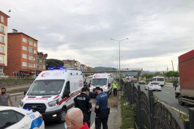 Ambulans kaza yaptı: 4 yaralı