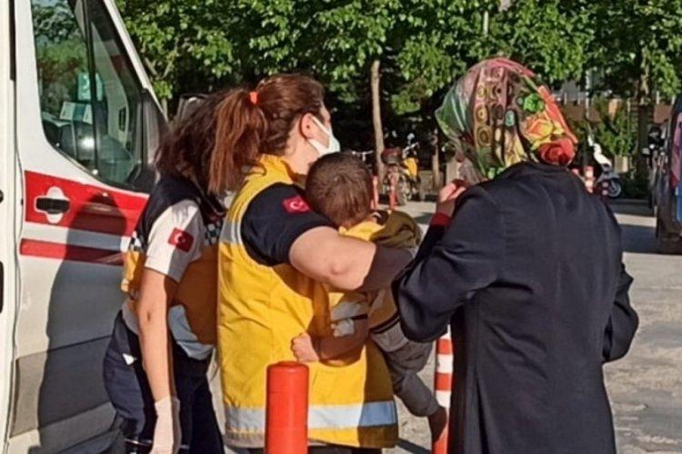 Bursa'da balkondan düşen 3 yaşındaki çocuk yaralandı
