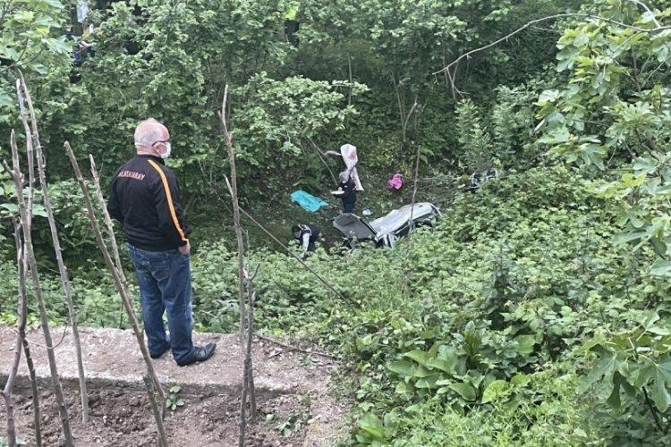 Dereye uçan araçta iki kişi öldü!