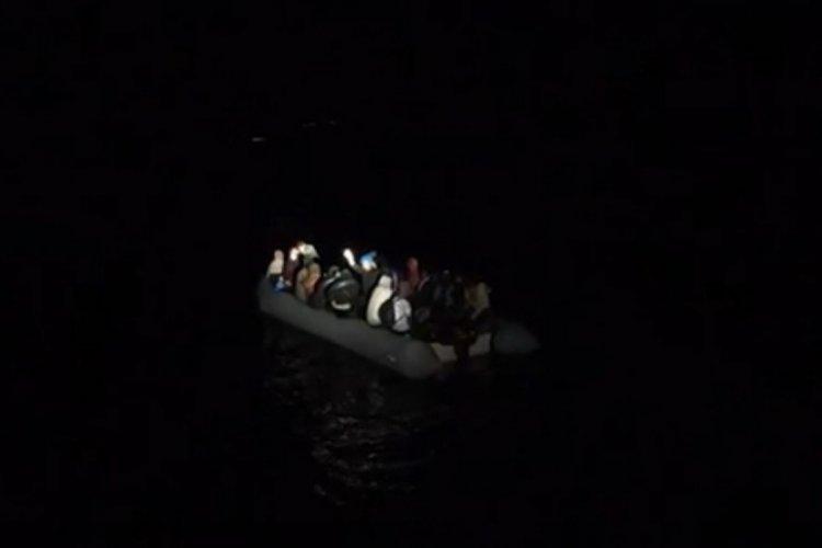 Balıkesir açıklarında 28 göçmen kurtarıldı