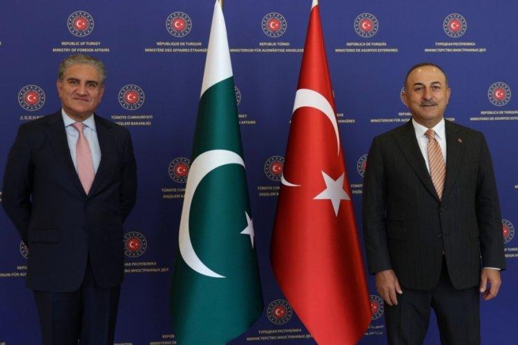 Bakan Çavuşoğlu, Pakistanlı mevkidaşı Kureyşi ile görüştü