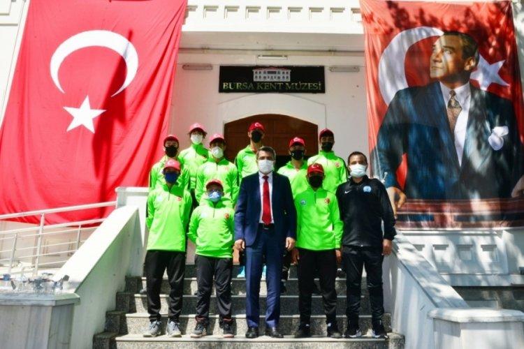 Bursa Yıldırım'da 19 Mayıs coşkusu sokaklara taştı