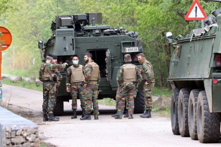 Belçika, kışladan ağır silahlar kaçıran askeri arıyor