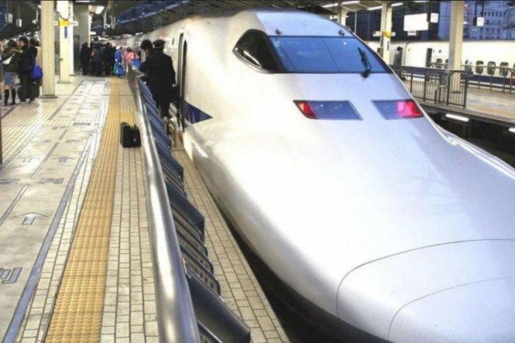 Sürücü, hızlı treni bırakıp tuvalete gitti