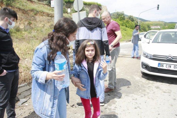 Bursa'da takla atan araçta can pazarı: 3 yaralı