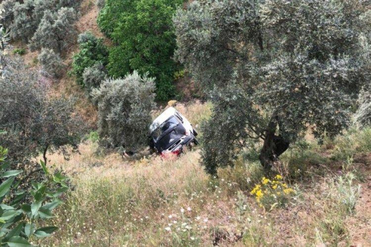 Yolcu minibüsü 30 metrelik uçuruma yuvarlandı: 10 yaralı