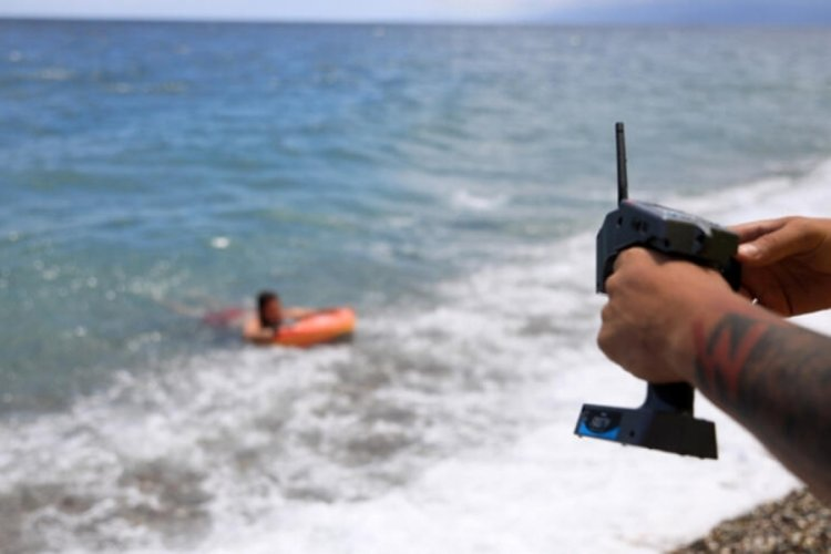 Bu yıl ilk olacak! Cankurtaran robot 'Fasty' sahilde görevde