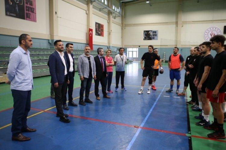 Bursa Büyükşehir Belediyespor Bursa kulüplerinin yanında