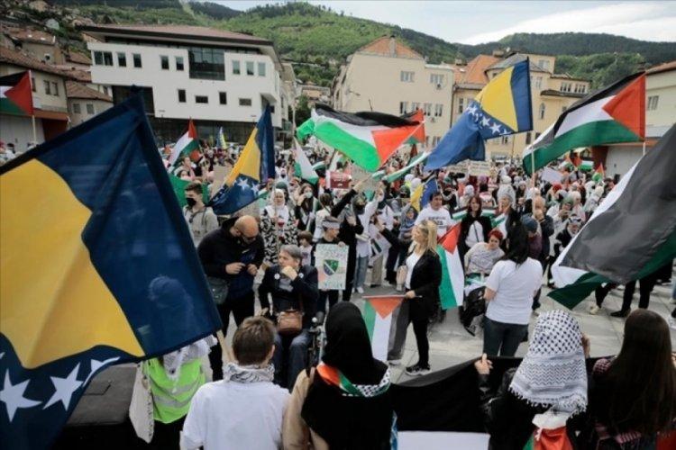 Bosna Hersek'te yüzlerce kişi Filistin'e destek gösterisi düzenlendi