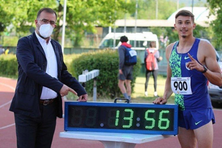 Bursa'da Mikdat Sevler kendi rekorunu 13.54'e indirdi