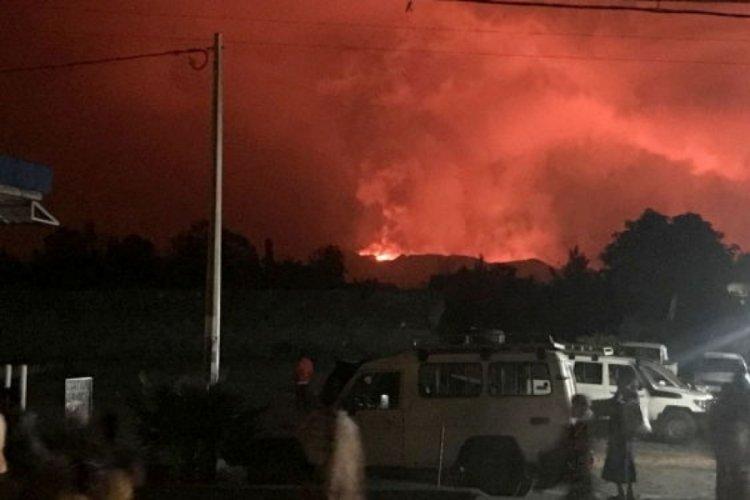 Kongo'daki Nyiragongo yanardağı patladı!