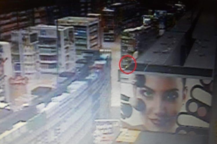 Bursa'da 'fotoğraf çekme' sevdası marketi yaktı