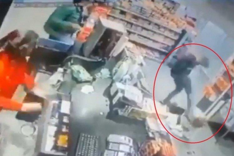 Markette dehşeti yaşadı: Önce dayak sonra bıçak