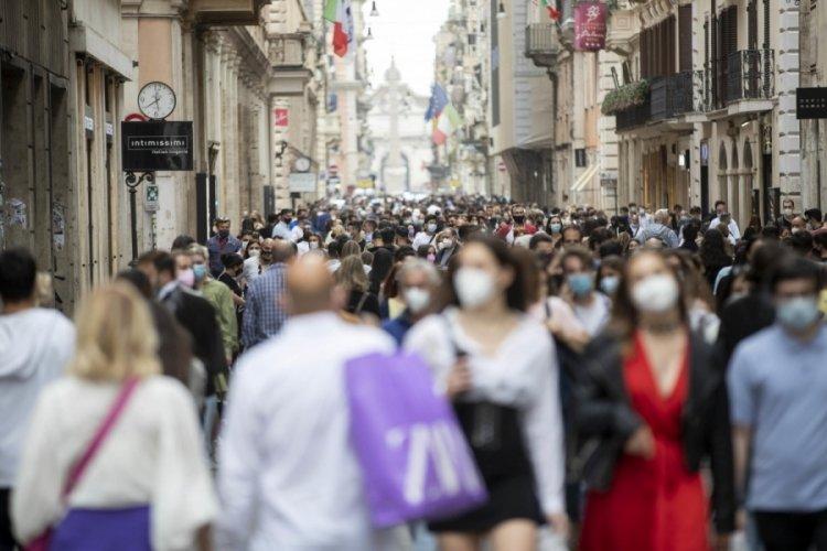 İtalya'da 3 bin 995 yeni vaka