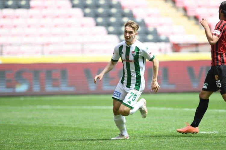 Bursaspor'un genç futbolcusu Eren Güler durdurulamıyor