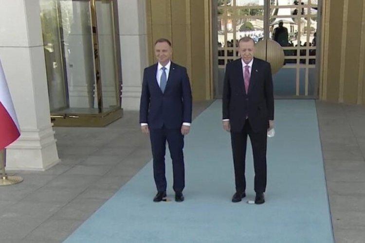 Cumhurbaşkanı Erdoğan, Polonya Cumhurbaşkanı'nı karşıladı