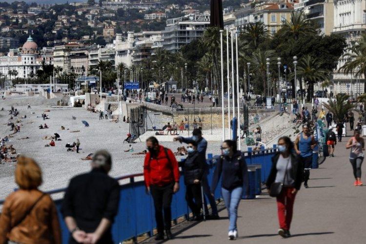 Fransa'da son 24 saatte 2 bin 229 yeni vaka