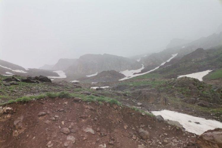 Hakkari'de mayıs ayında kar yağışı