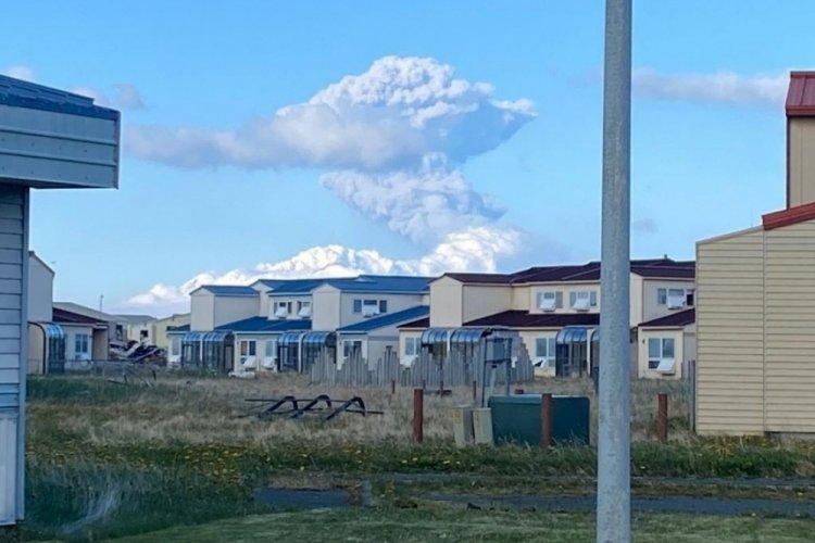 Alaska Yarımadası'nda yanardağ patlaması: Kırmızı alarm verildi