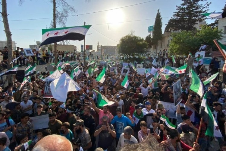 Suriye'de Esad ve seçimler protesto edildi