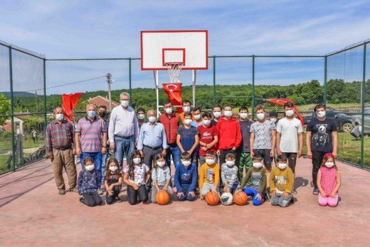 Bursa Karacabeyli gençler bir spor alanına daha kavuştu