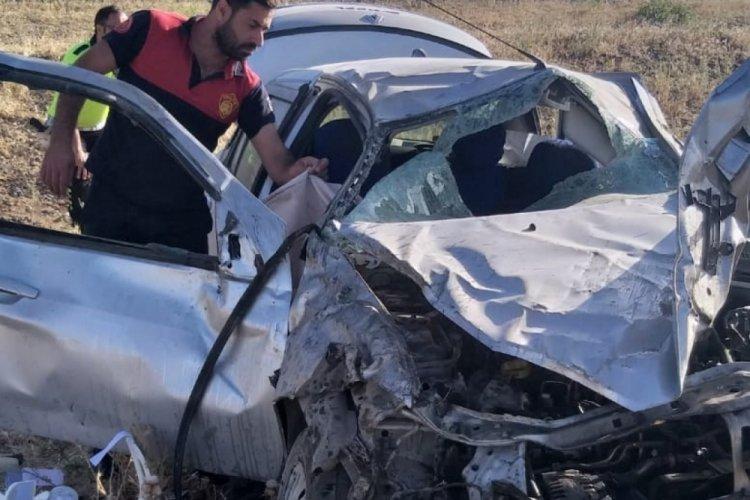 Şarampole devrilen araçta 8 aylık bebek öldü