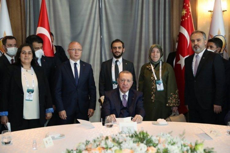 Cumhurbaşkanı Erdoğan'dan 146. Genişletilmiş İl Başkanları toplantısında Bursa heyetine özel ilgi