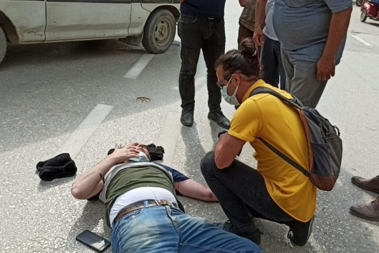 Bursa'da doktordan yaralıya ilk müdahale