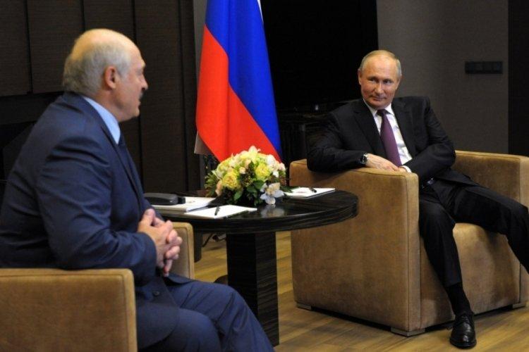 Putin'den uçak krizi konusunda Belarus'a destek