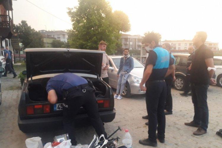 'Askere gideceğiz' yalanıyla esnaftan para toplayan 6 kişi yakalandı