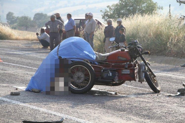 TIR'ın çarptığı motosikletli öldü