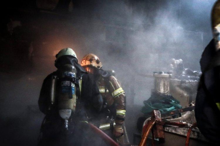 Bursa'da mobilya fabrikasının deposunun kimyasallar bölümünde yangın!
