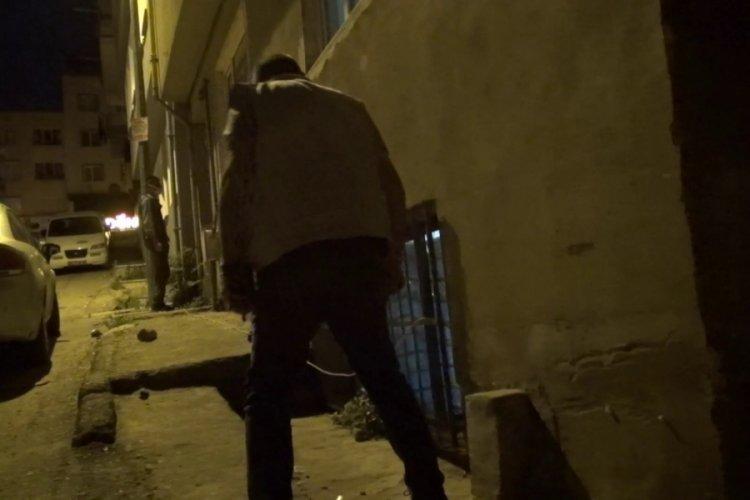 Bursa polisinden gece yarısı uyuşturucu baskını