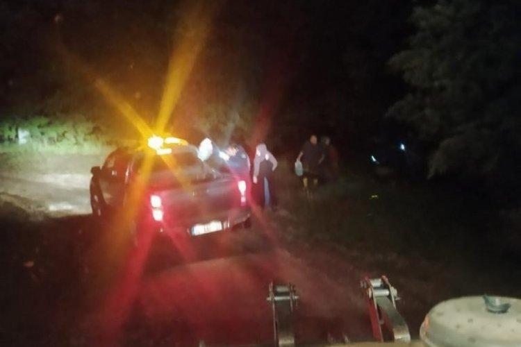 Bursa'da sel sonucu  bağ evinde mahsur kalan 15 kişi kurtarıldı