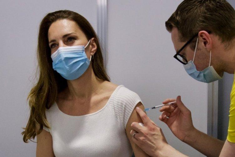 Düşes Kate de aşı oldu