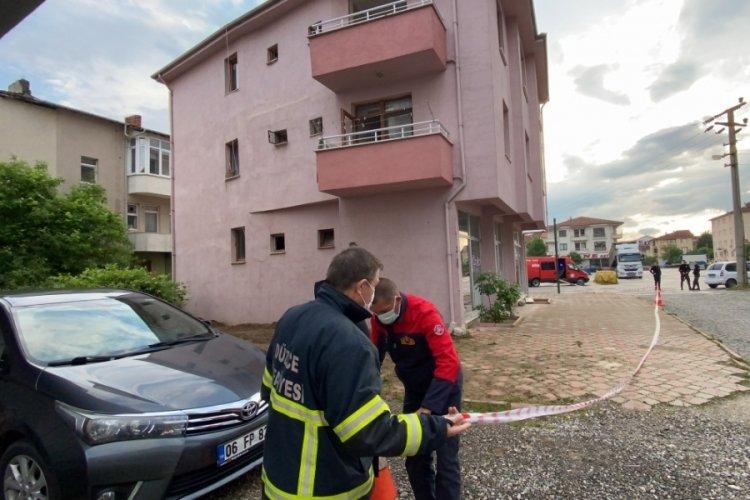 Çökme riski olan 3 katlı bina boşaltı