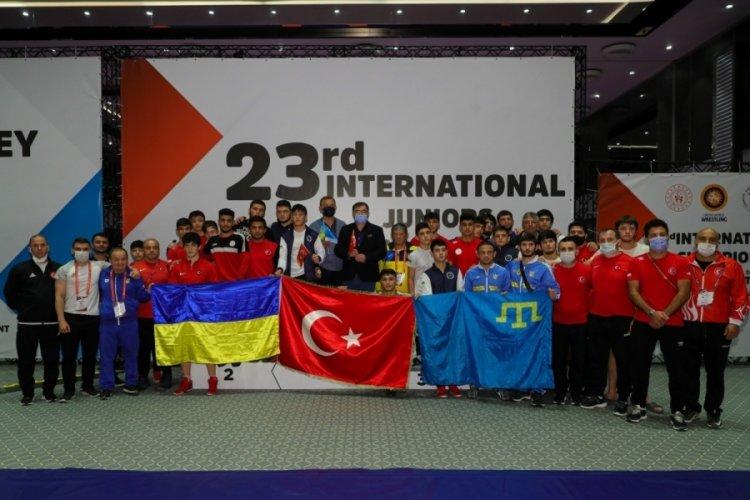 23. Uluslararası Gençler Şampiyonlar Güreş Turnuvası'nda Türkiye şampiyonluğu